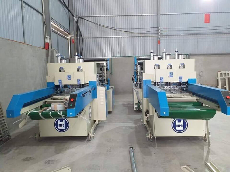 Dipo Plastic Machinery Factory made every effort to improve the production quality of plastic bags and the production of shopping bags for customers of Vietnam Plastic Bag Factory