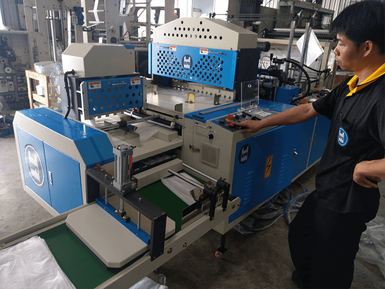 Dipo Plastic Machinery Factory spares no effort to ship customers' machines before Chinese New Year