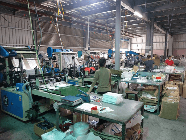 Top 3 flat bag making factories equipped with plastic bag machinery continually.