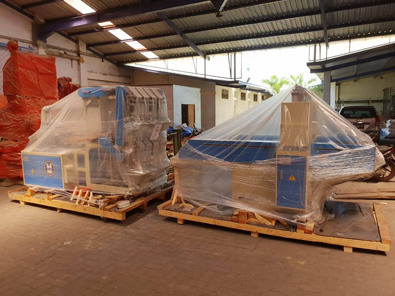 Indonesia - Ordered DIPO PLASTIC BAG MAKING MACHINE (KDP-328S+4AP)